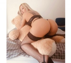 Sengul lollipop escort girl Manchester, TN