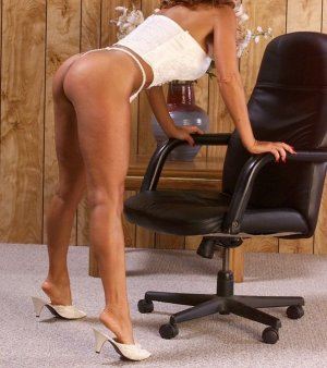 Djemina rimjob escorts in Greenville, NC